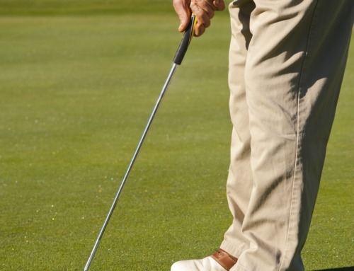 Drive a Golf Ball Straight and Far With These Tips